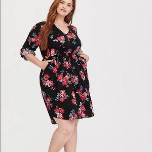 Torrid Floral V-Neck 3/4 Sleeve Dress